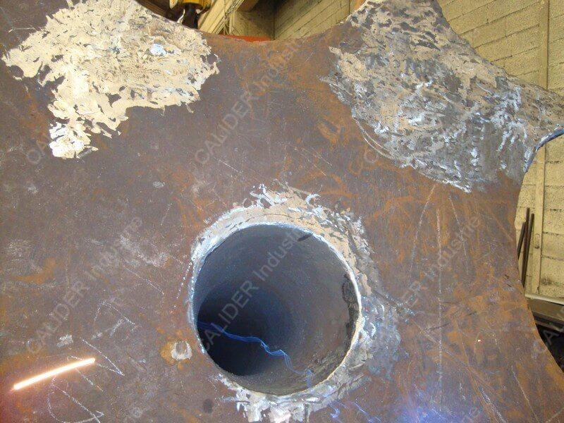 Réparation cheminée - soudure pied en cours